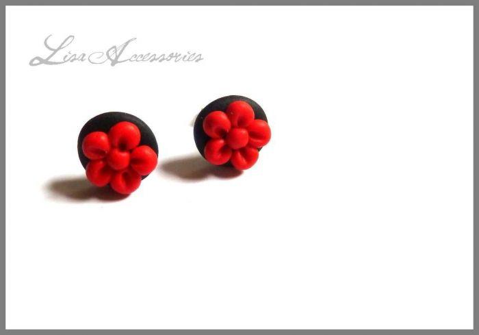 Cercei floricele rosii